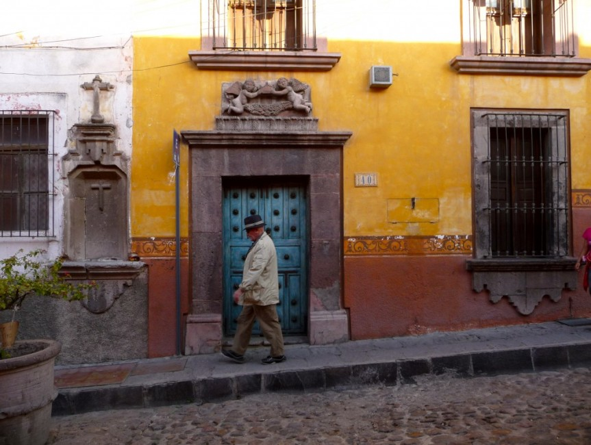 A typical street scene in San Miguel de Allende