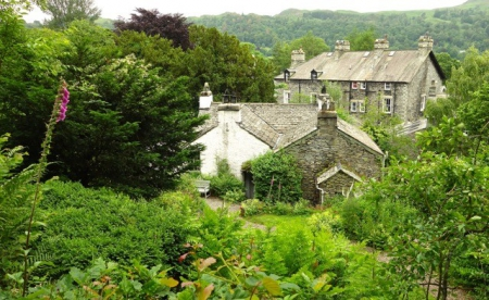 England-Dove-Cottage-Lake-District_2-e1441117642695.jpg